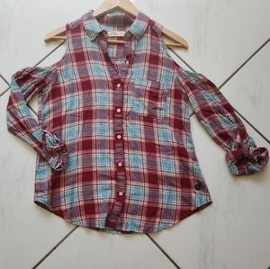 Hollister cold shoulder plaid shirt CUTE! Button